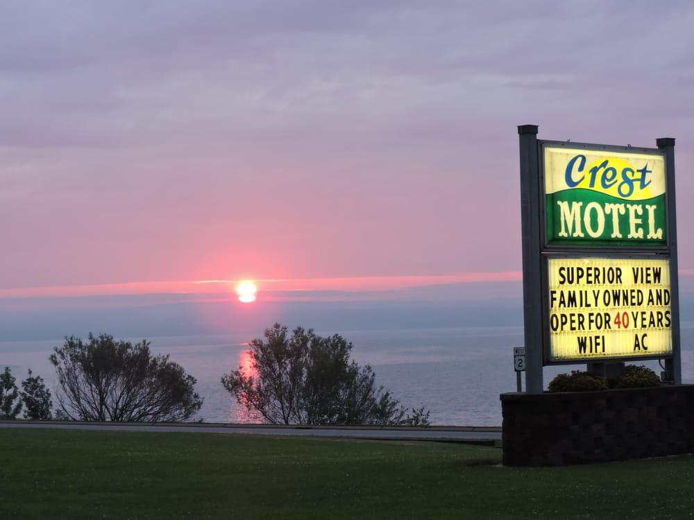 Crest Motel: 115 Sanborn Ave, Ashland, WI
