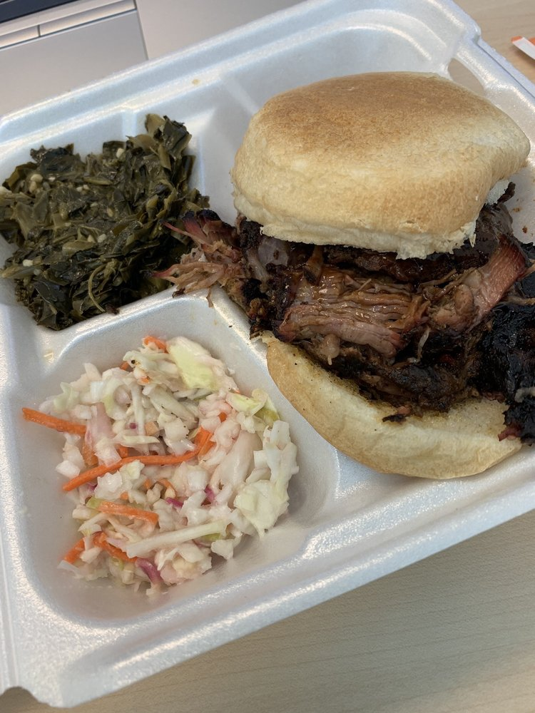Uncle Fred's BBQ Smoke Shack: Herndon, VA