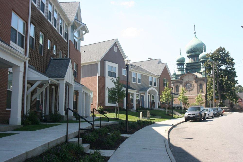 Tremont Pointe Apartments