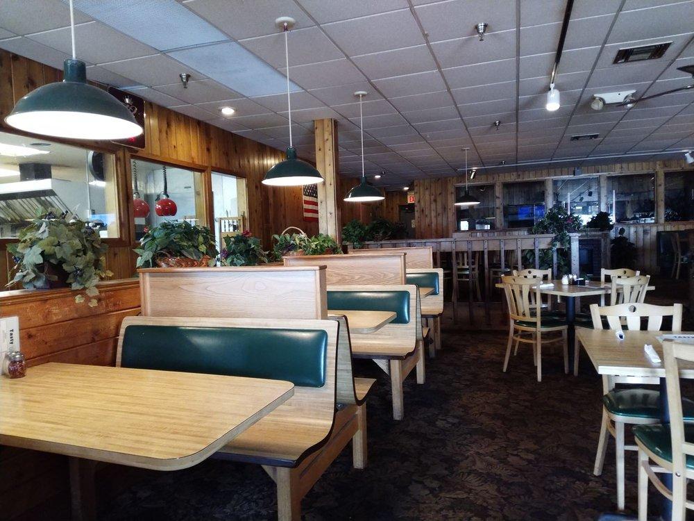 Tasty Pizza: 3220 Bridge St NW, Saint Francis, MN