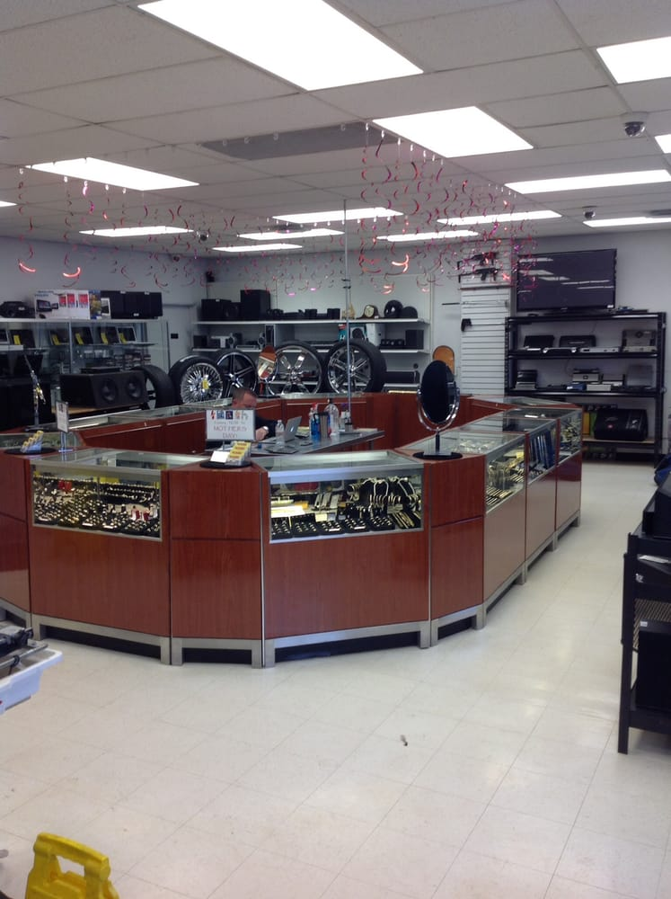 Big Daddy's Jewelry and Pawn: 2239 Larimer St, Denver, CO