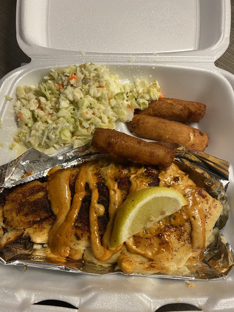 Clam Digger Restaurant: 511 Salter Path Rd, Atlantic Beach, NC