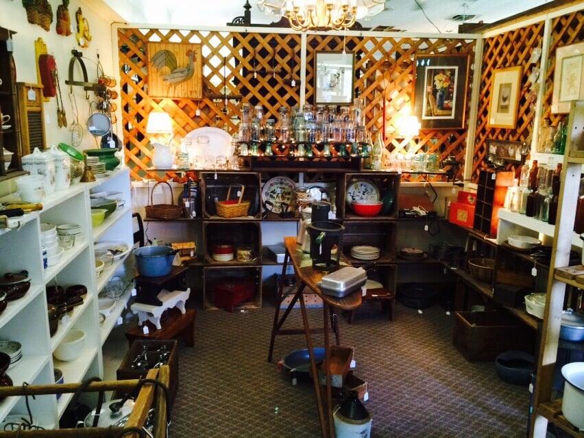 Antique Haven: 1435 Easton Rd, Riegelsville, PA