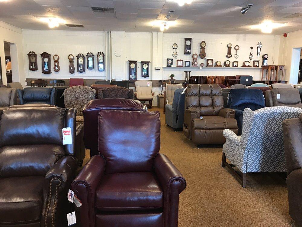 Sensenig Furniture: 524 E Farmersville Rd, New Holland, PA