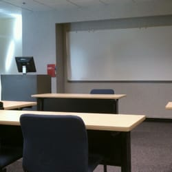 Does a Community college accepts credits from University of Phoenix?