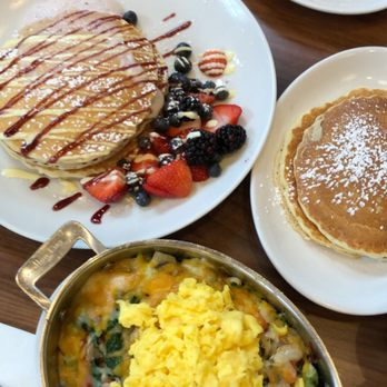 Photo Of Wildberry Pancakes And Cafe Schaumburg Il United States
