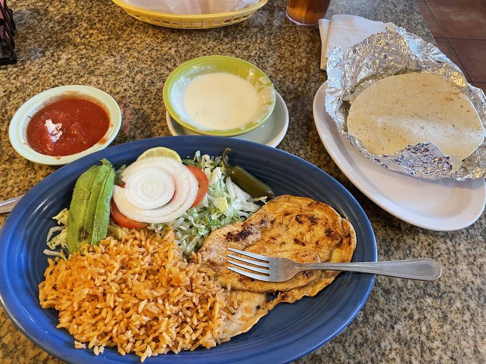 El Palenque Mexican Restaurant: 228 S Coker St, Greenwood, AR