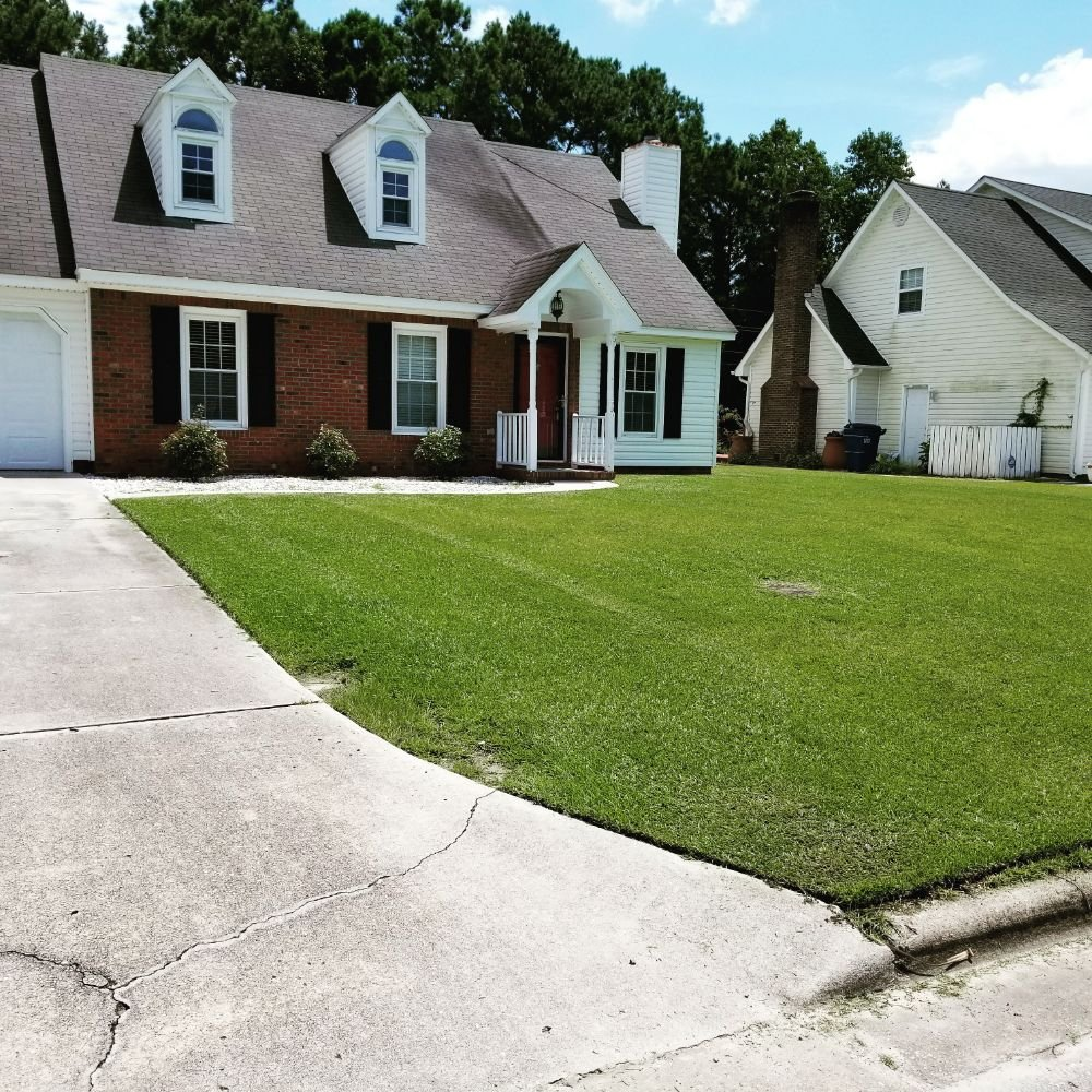Lawn Care Hurts: 1863 Haw Branch Rd, Beulaville, NC
