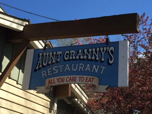 Terrific Aunt Grannys Buffet 1198 Mccarter Hollow Rd Pigeon Forge Home Interior And Landscaping Transignezvosmurscom