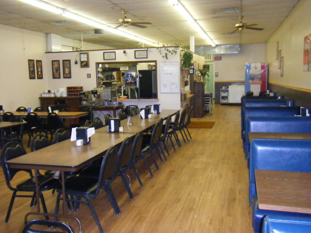 PC's Cedar Creek Cafe: 121 Lake City Shopping Ctr, Baker, MT