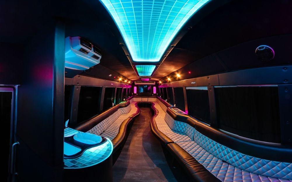 S & S Limousines: 7160 W Main Rd, Le Roy, NY