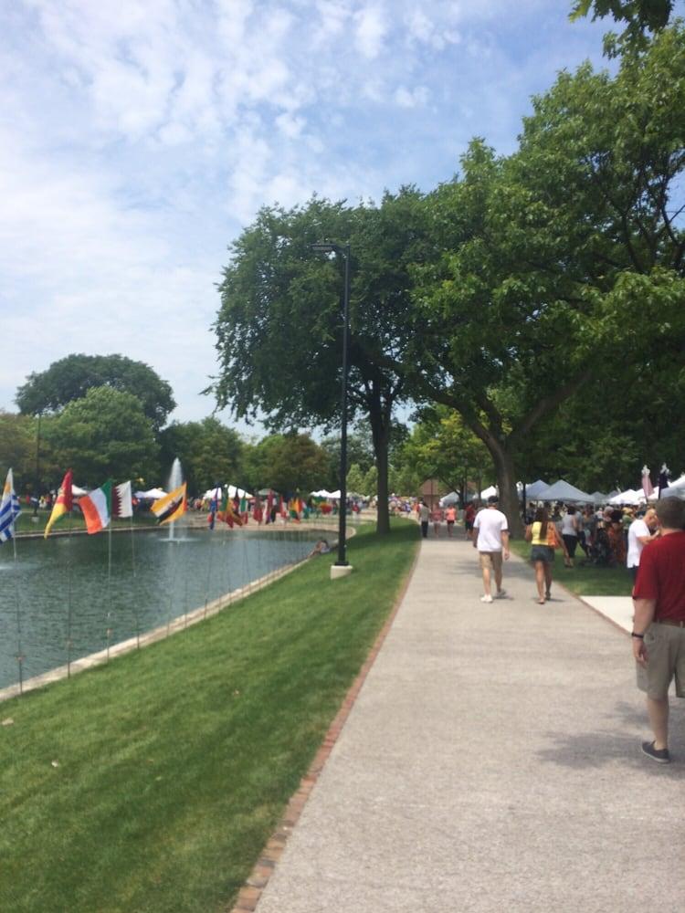 Evanston Lakeshore Arts Festival: 1700 Sheridan Rd, Evanston, IL