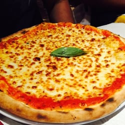 Pizza Pino - Paris, France. Marguerite pizza... The hubby's go-to pizza