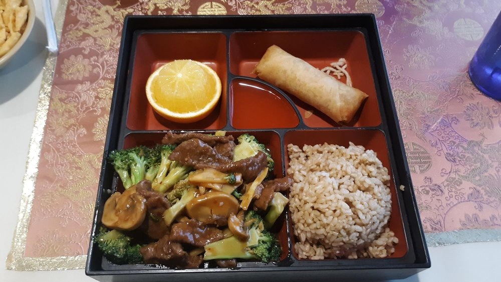 Food from Golden Dragon Asian Bistro