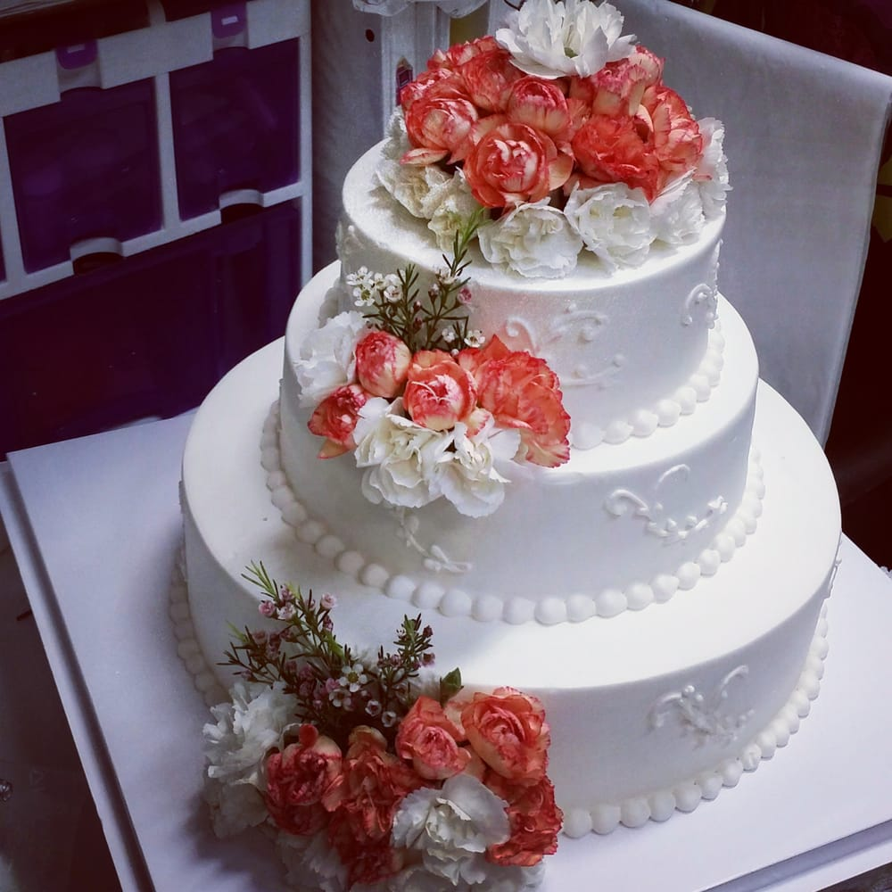 Wedding Cake On Point