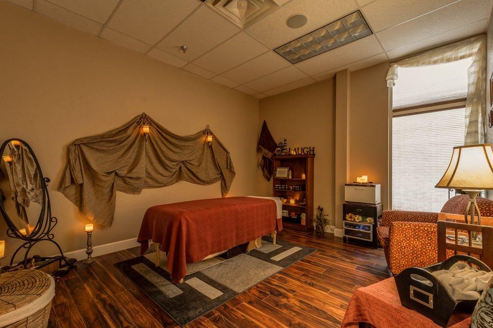 Avalon Salon & Spa: 3810 S 6th St, Klamath Falls, OR