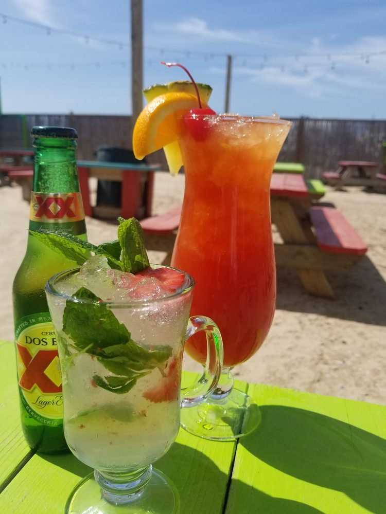 Beachfront Deck Bar & Grill: 750 Bluewater Hwy, Surfside Beach, TX