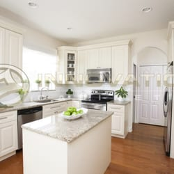 Attrayant Photo Of Innovation Cabinetry   Tampa, FL, United States. Innovation  Cabinetry Coastal Cream ...