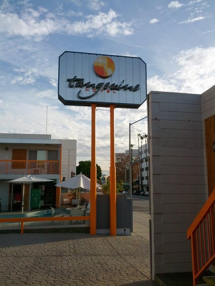 Restaurants Near Tangerine Hotel Burbank