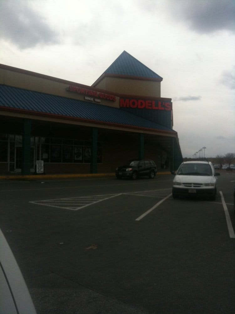 Modells Sporting Goods: 640 Fellsway, Medford, MA