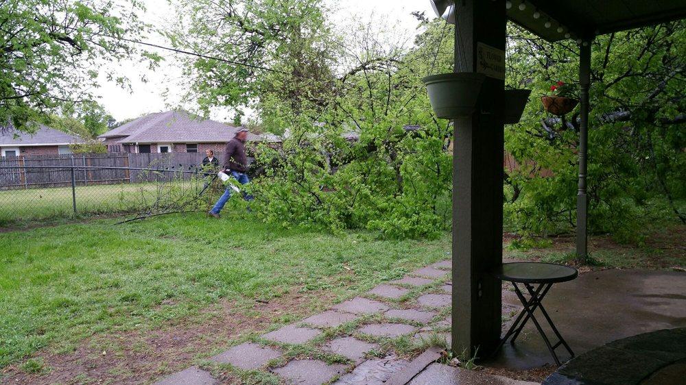 Burleson Tree Service: 1653 Houston Rd, Burleson, TX
