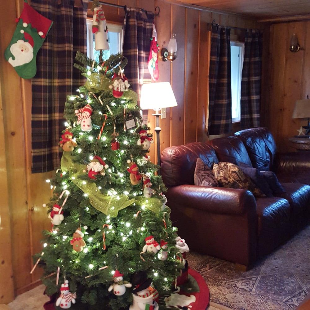 Maggies Cabin: 19003 640th Ave NE, Baring, WA