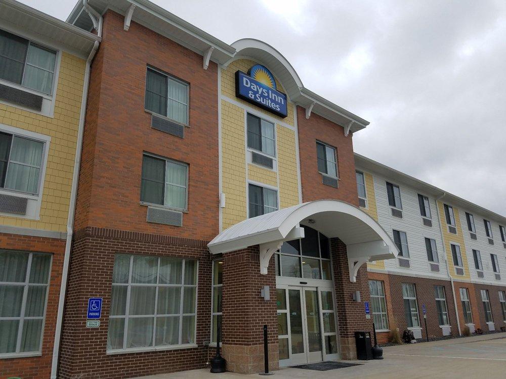 Days Inn & Suites by Wyndham Caldwell: 43945 Marietta Road, Caldwell, OH