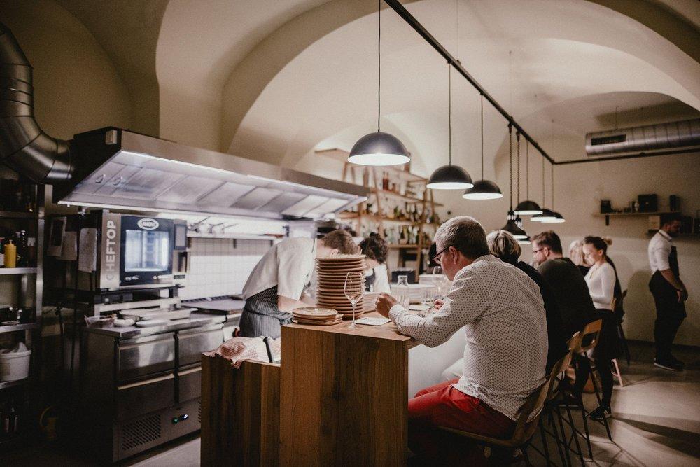 Atelier Cocktail Bar & Bistro: Kobližná 71/2, Brno, JM
