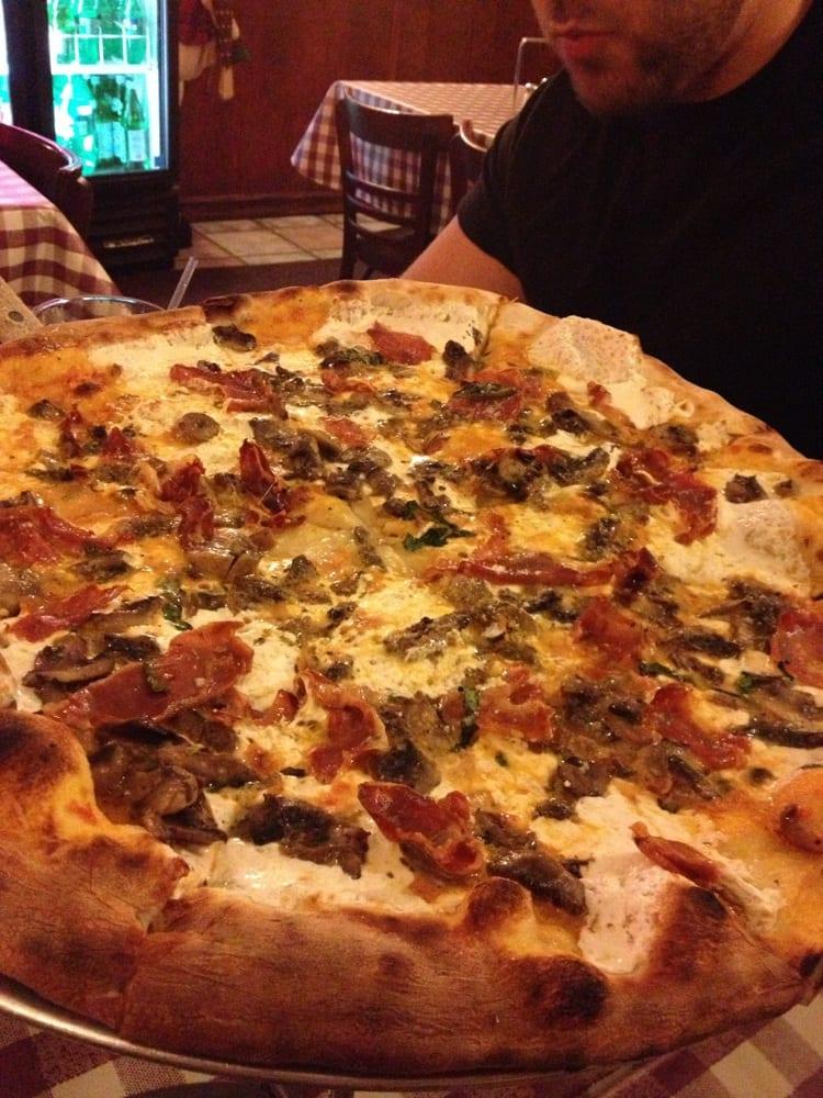 Peppino S Pizza: Vodka Pizza!