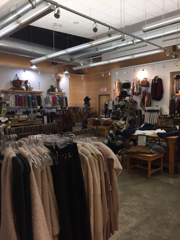 Altar'd State: 1602 Village Market Blvd SE, Leesburg, VA