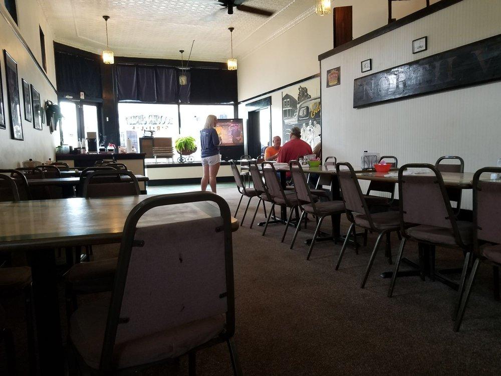 Hoosier Street Grill: 161 5th St, North Vernon, IN