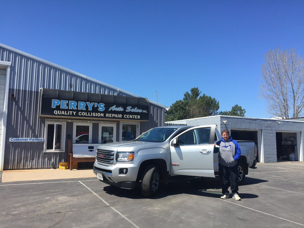 Perry's Auto Salon: 875 S Bremer Ave, Rush City, MN