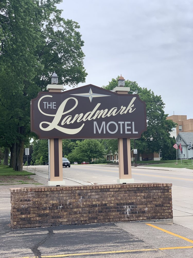 Landmark Motel: 5 N Main St, Clintonville, WI
