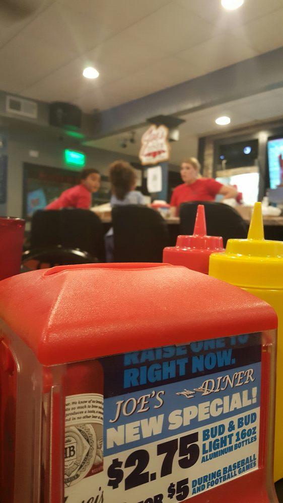 Joes 2nd St Diner: 131 2nd St NE, Dyersville, IA