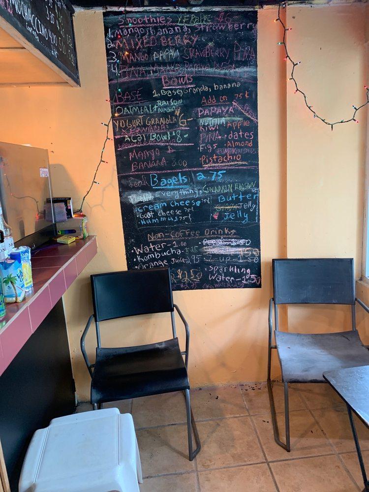 Culebra Coffee: Calle Pedro Márquez 2, Culebra, PR