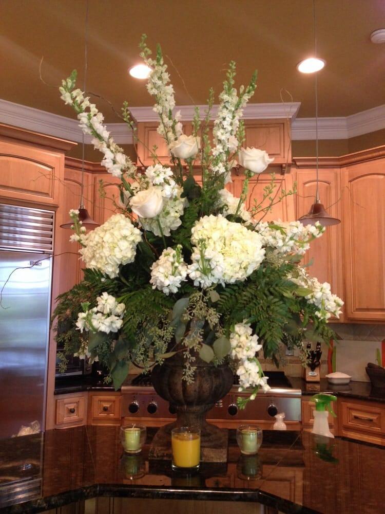 Alexander City Flower Boutique, Inc.: 1031 Cherokee Rd, Alexander City, AL
