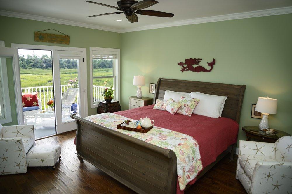 Blue Heron Inn: 1346 Blue Heron Ln SE, Darien, GA