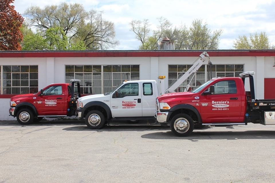 Towing business in South Beloit, IL