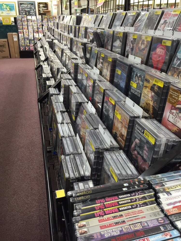 Video Warehouse: 5801 Franklin Ave, Des Moines, IA