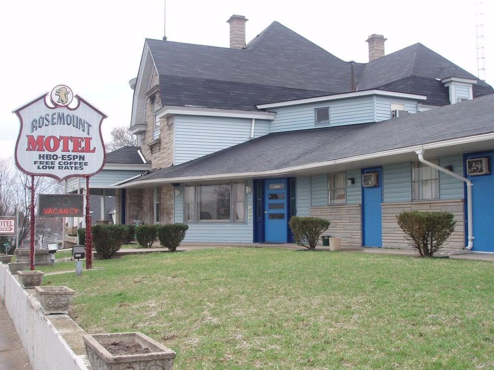 Rosemount Motel: 1923 M St, Bedford, IN