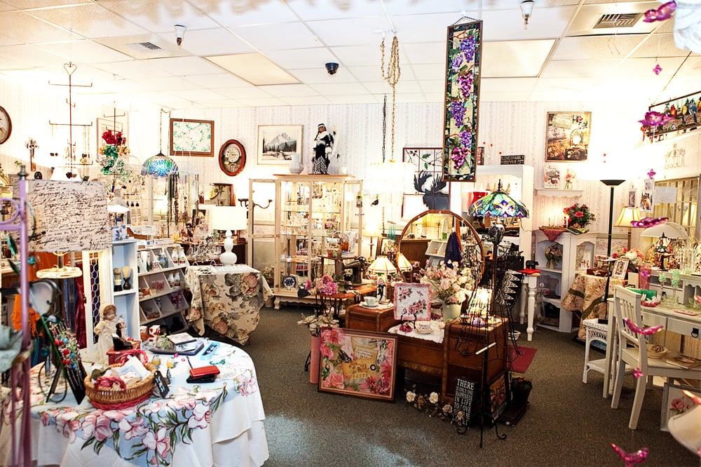Donna's Country & Victorian Gifts: 44539 Sterling Hwy, Soldotna, AK