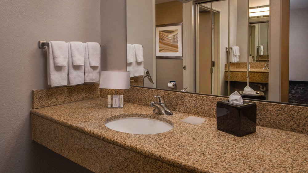 Courtyard by Marriott Dulles Town Center: 45500 Majestic Drive, Dulles, VA