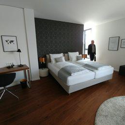 Schlafzimmer Im Safari Look | Hotel Melchior Park 26 Photos Hotels Am Galgenberg 49