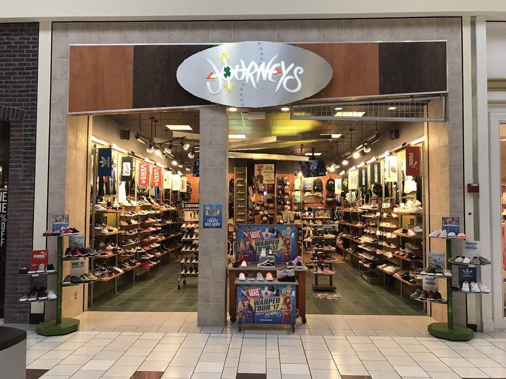 Journeys: 653 Beaver Valley Mall, Aliquippa, PA