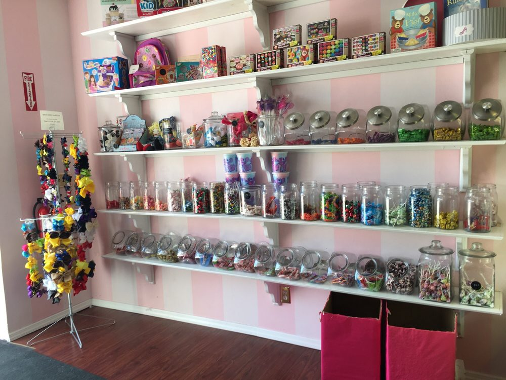 Skipperdee's Sweet Parlor: 26 Lido Blvd, Point Lookout, NY