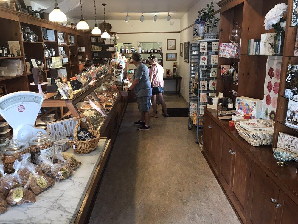 Nelson's Candies: 380 Main St, Murphys, CA