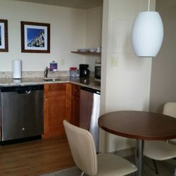 Georgetown Suites Harbor - 11 Photos & 13 Reviews - Hotels - 1000 ...