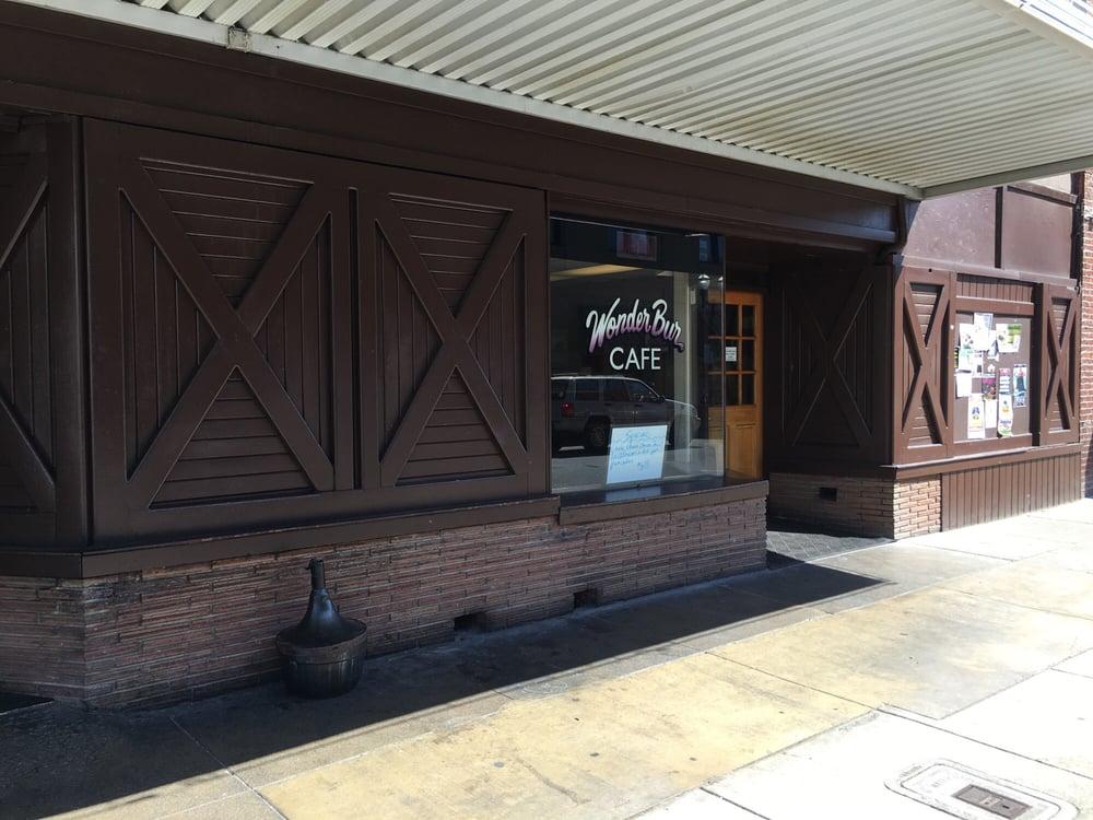 Wonder Bur Lounge & Cafe: 116 SW H St, Grants Pass, OR