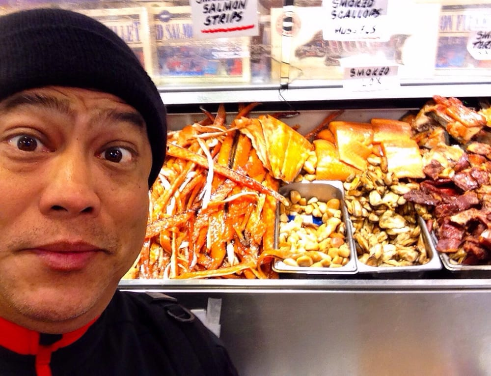 Tonyo at seattle seafood market coming home smoked salmon for Pure food fish market