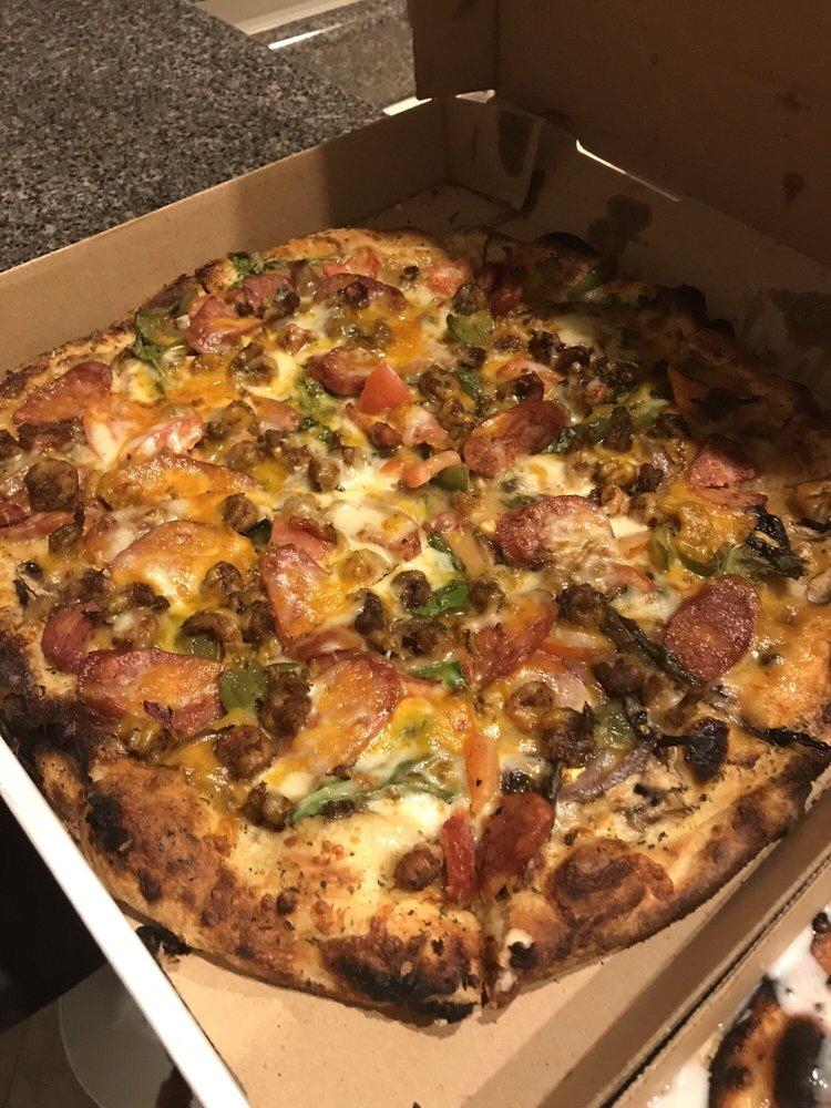 R & B Brick Oven Pizza: 19341 Highway 49, Saucier, MS